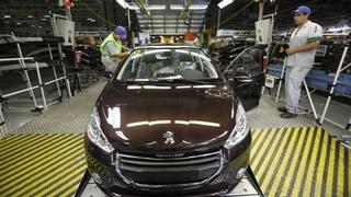 مصنع بيجو سيتروين القنيطرة Peugeot Citroen Kenitra : توظيف 05 تقنيين و 20 عامل حاصل على البكالوريا   Peugeo11