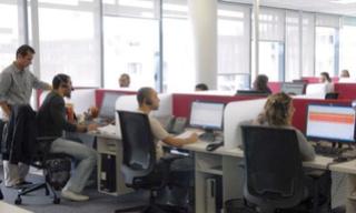 شركة QCF بوجدة : توظيف 20 منصب بشهادة البكالوريا و راتب 4000 درهم و بعقد عمل دائم Qcf_re10