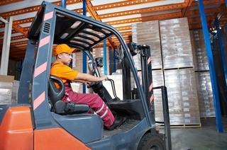 شركة بطنجة توظيف 15 منصب سائق رافعة البضائع و 15 موظف مستودع  Recrut26