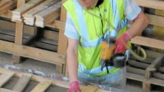 شركة متخصصة في إنتاج الأخشاب توظيف 10 مناصب عمال مهنيون براتب 7000 درهم شهريا  Sama_i10