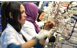 شركة SEWS MAROC : توظيف 300 منصب عمال تركيب و تجميع كابلاج السيارات بالقنيطرة Sews_m11