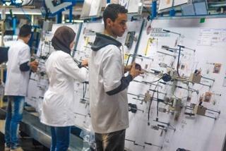 شركة كبرى في مجال صناعة و انتاج و تجميع كابلات السيارات بطنجة توظيف 400 عامل و عاملة بالصويرة و شيشاوة  Ste-ap10