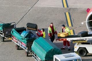 شركة لتدبير مطار فاس سايس : توظيف 4 مستخدمين نقل الأمتعة حاصل على البكالوريا او دبلوم و رخصة السياقة Swissp11