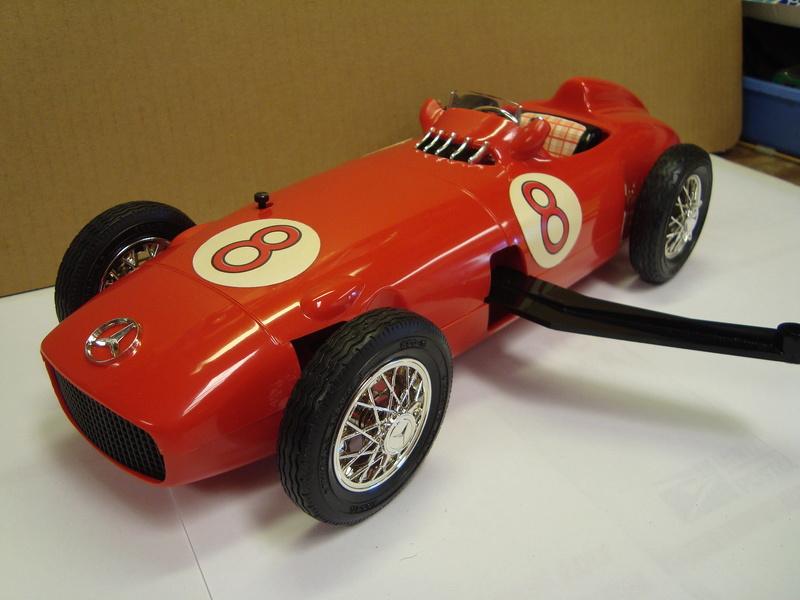 1961 cox mercedes benz racer - Page 2 Dsc01614