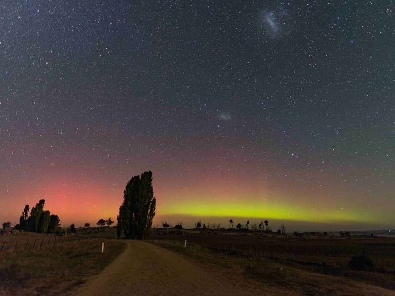 Off-topic - photos of the Aurora Australis from the Snowy Mountains _621au10