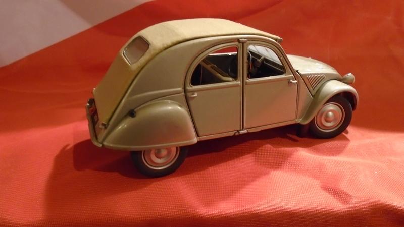 2CV 1951 au 1/24 de Franklin Mint Dsc00411
