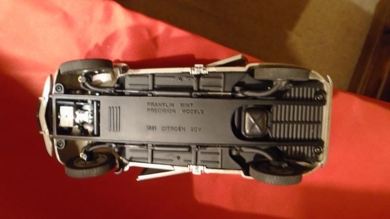 2CV 1951 au 1/24 de Franklin Mint Dsc00412