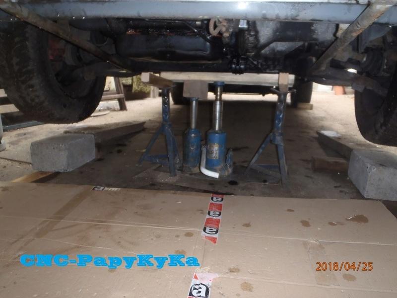 PapyKy, fait de entretient train AV de son S2 de 570.XXX Km. P4250011