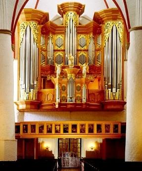 Dietrich Buxtehude (1637 - 1707) - Oeuvres pour orgue - Page 2 Hambou11