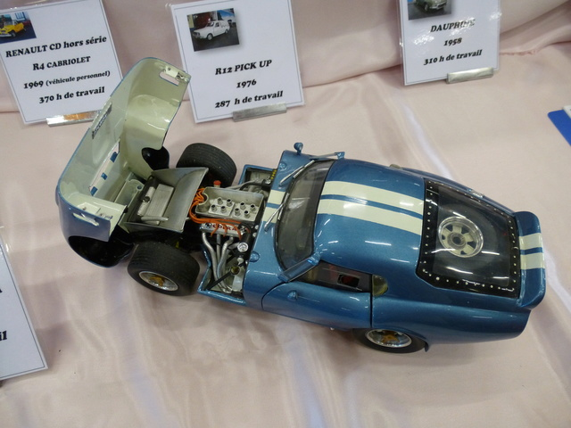 "Superbes véhicules du cirque ""Pinder"" P1100912"