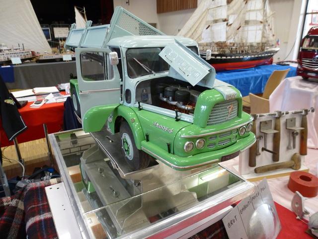 "Superbes véhicules du cirque ""Pinder"" P1100916"