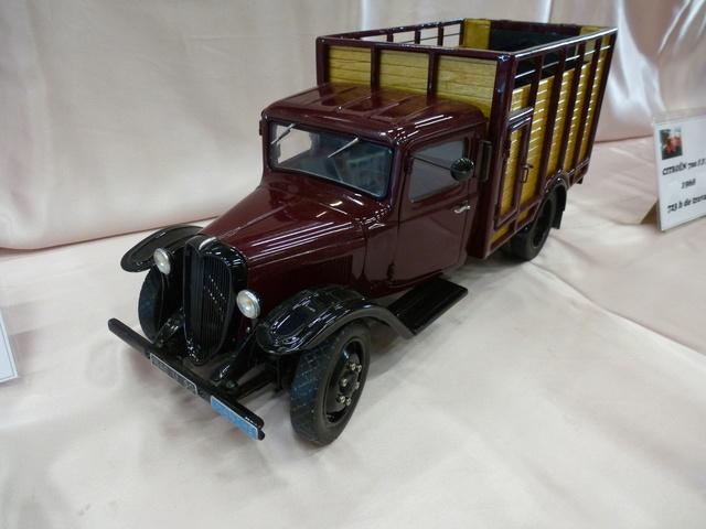 "Superbes véhicules du cirque ""Pinder"" P1100919"
