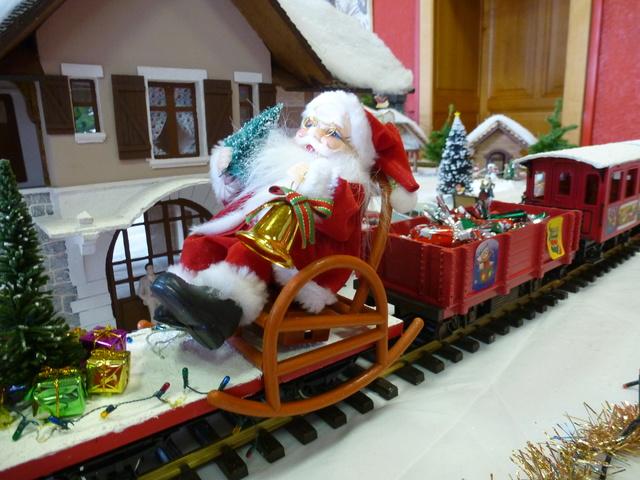 Cette année encore  à VUIZ un petit marché de Noel bien sympa P1110424