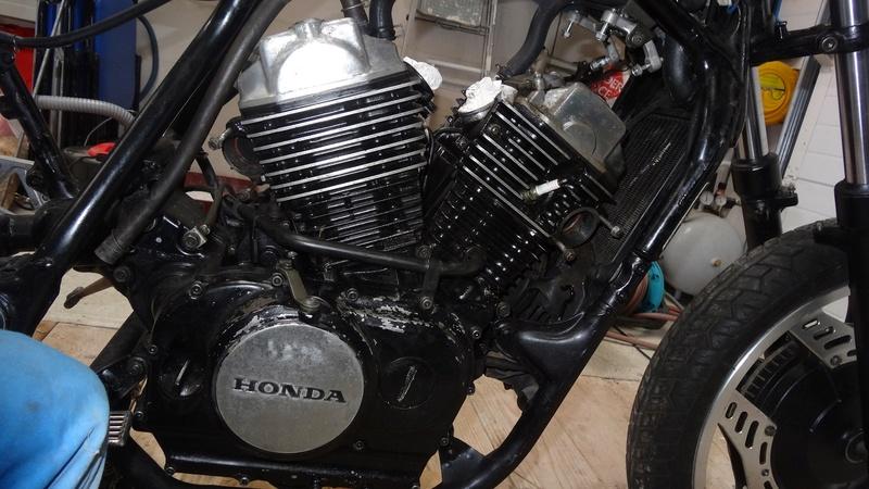 VT500E -> Cafe Racer Dsc07710