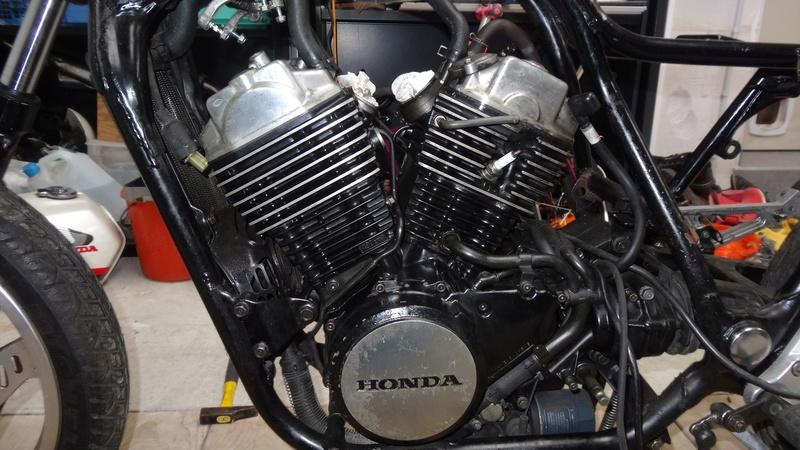 VT500E -> Cafe Racer Dsc07712