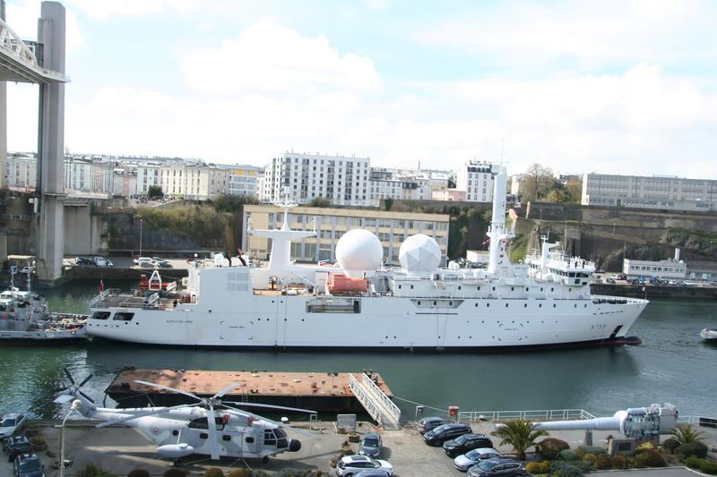 [Les ports militaires de métropole] Port de BREST - TOME 2 - Page 37 3_a75910