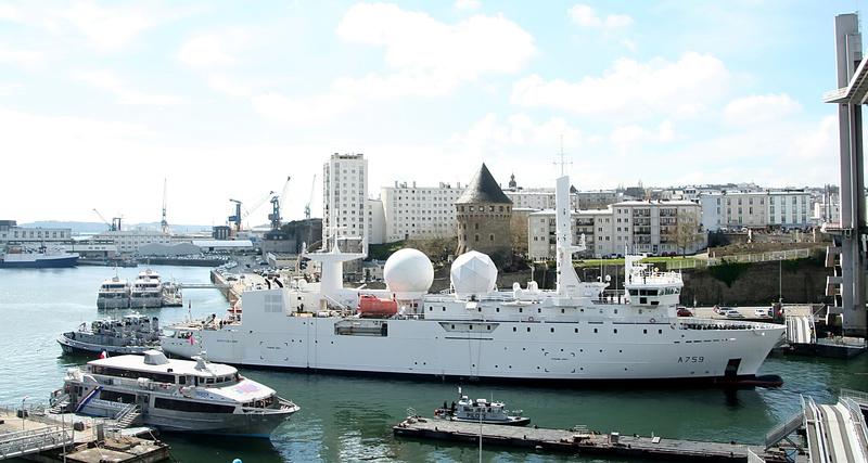 [Les ports militaires de métropole] Port de BREST - TOME 2 - Page 37 4_a75910