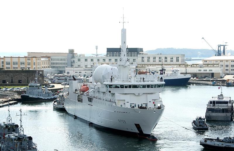 [Les ports militaires de métropole] Port de BREST - TOME 2 - Page 37 5_a75910
