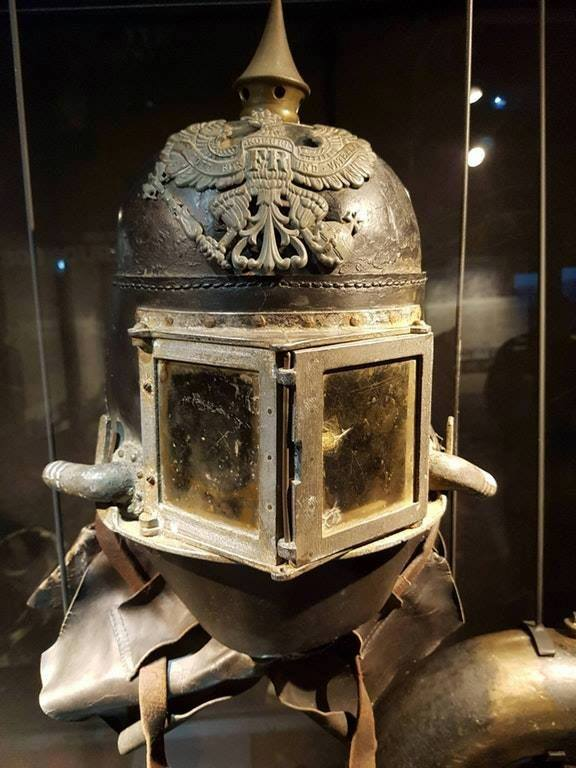 Oddities, curiousities and strangness in history [2] - Page 14 Helmet12