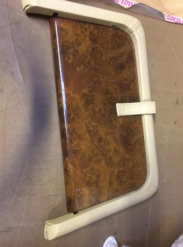 Sellerie, volants cuir/ bois Img_0611