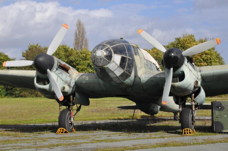 Photos des réserves du Musée du Bourget Dsc_3175