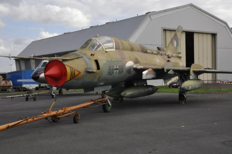 Photos des réserves du Musée du Bourget Dsc_3237