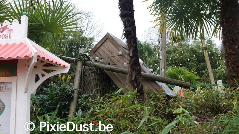 Les dégâts causés par les aléas climatiques à Disneyland Paris Dqxje710