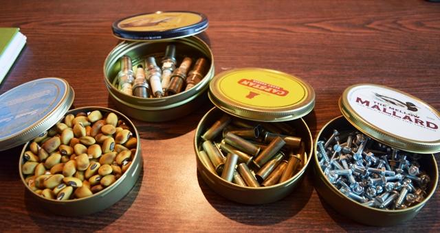 Vous utilisez vos vieilles boîtes de tabac à d'autres fins ?  Témoignez. Dsc_0819