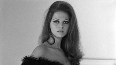 Claudia Cardinale - Page 16 Style-10