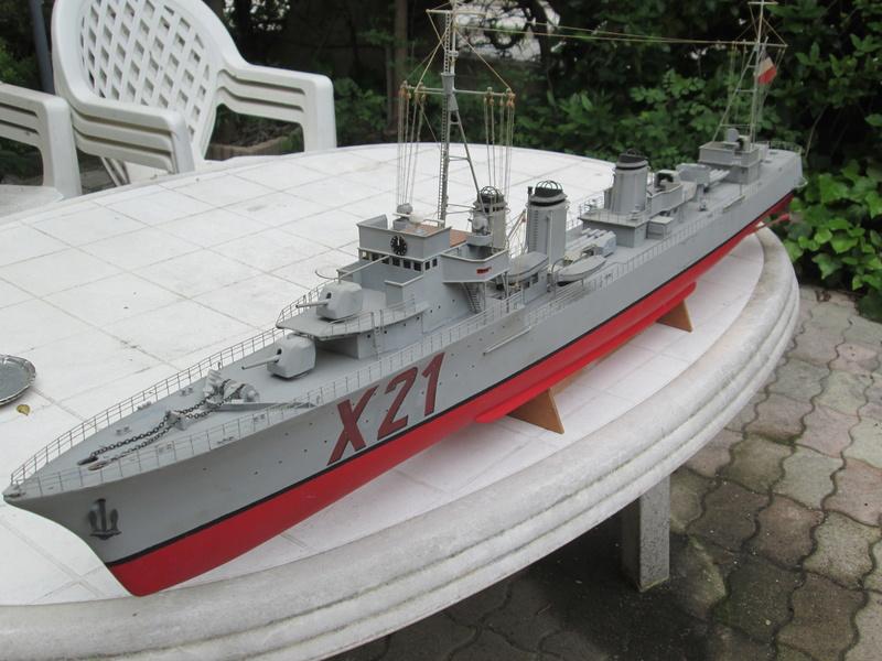 contre torpilleur jaguar au 1/100 Jaguar11