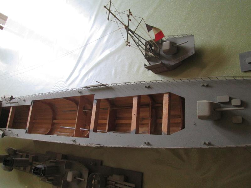 contre torpilleur jaguar au 1/100 Jaguar18