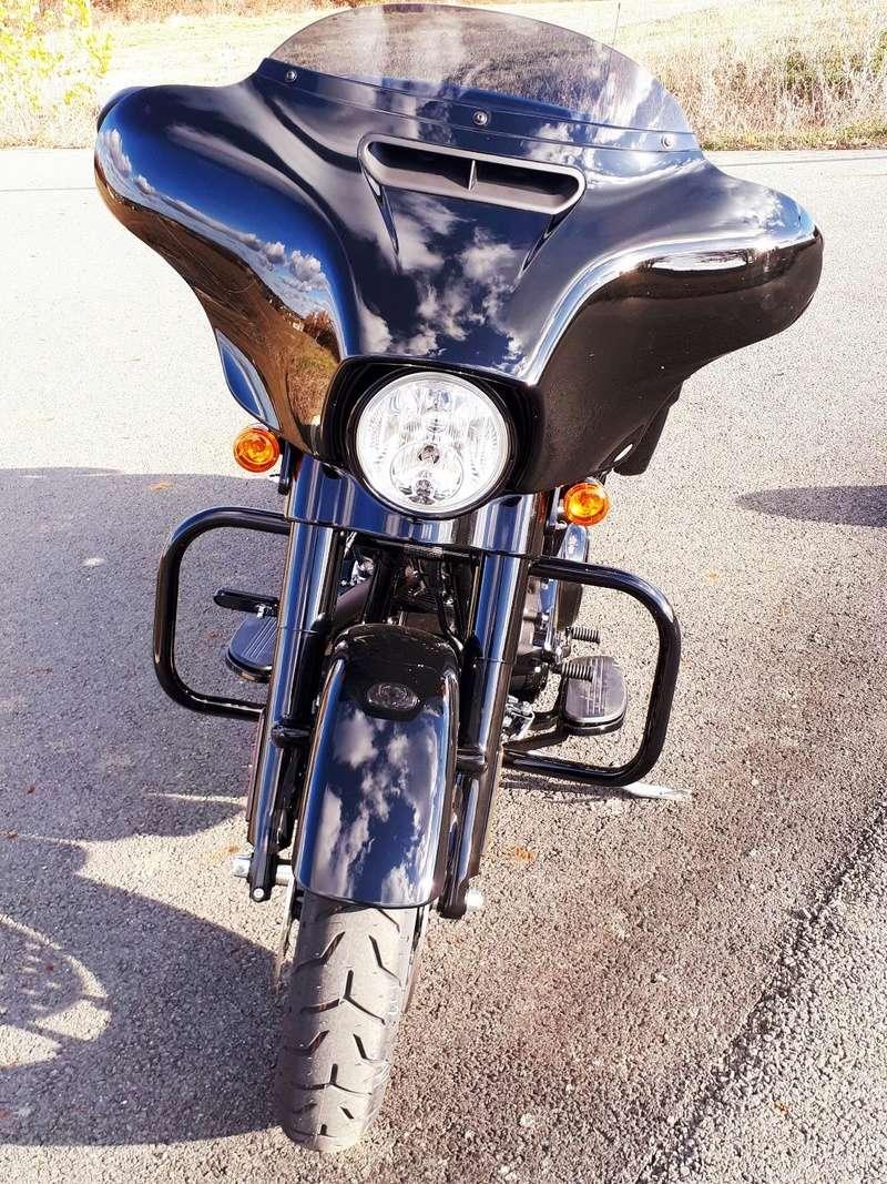 combien de STREET GLIDE  sur le forum Passion-Harley - Page 13 Street18
