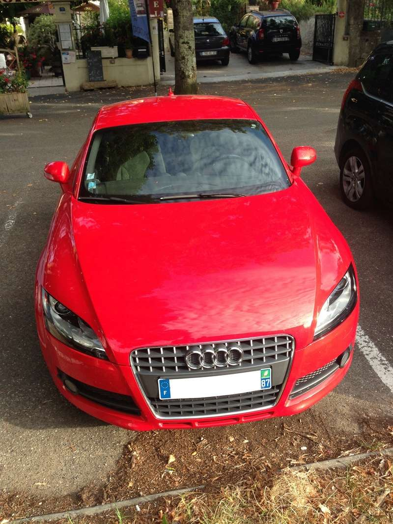 Oh my god, une audi TT rouge 15147010