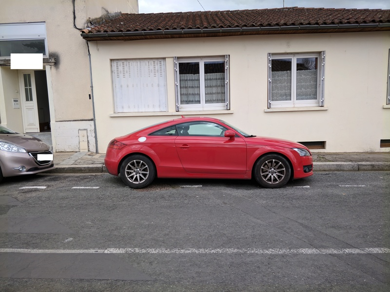 Oh my god, une audi TT rouge Img_2011