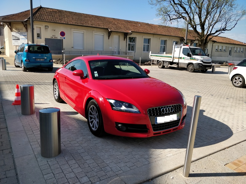 Oh my god, une audi TT rouge Img_2012