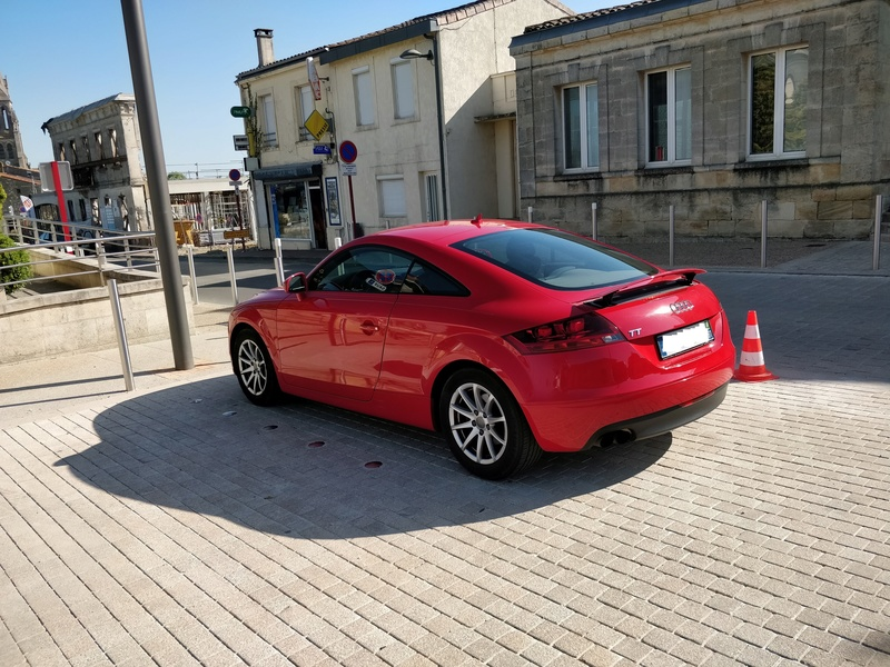 Oh my god, une audi TT rouge Img_2013