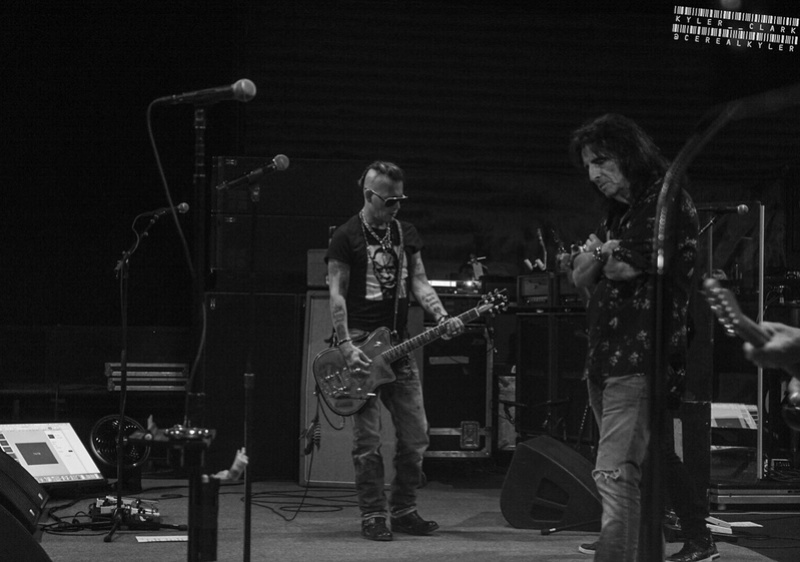 Le groupe Hollywood Vampires . - Page 27 20180512