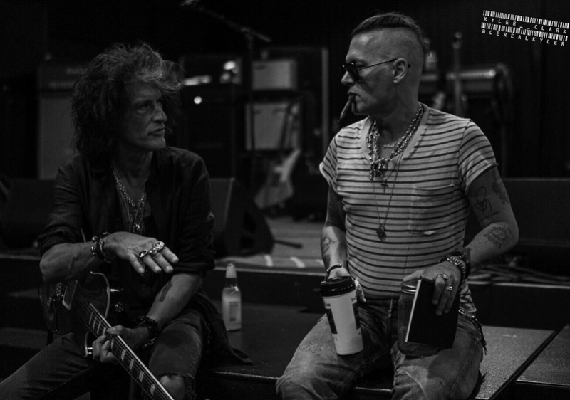 Le groupe Hollywood Vampires . - Page 27 20180513