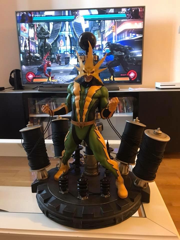 collection marvel2017 : arrivee dr doom hcg wolverine pf spiderman hot toys - Page 17 E0671910