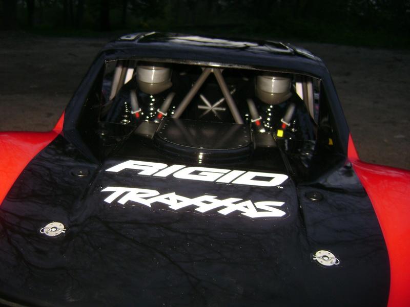 TRAXXAS UNLIMITED DESERT RACER - Tests & Améliorations de Trankilou Dsc07636