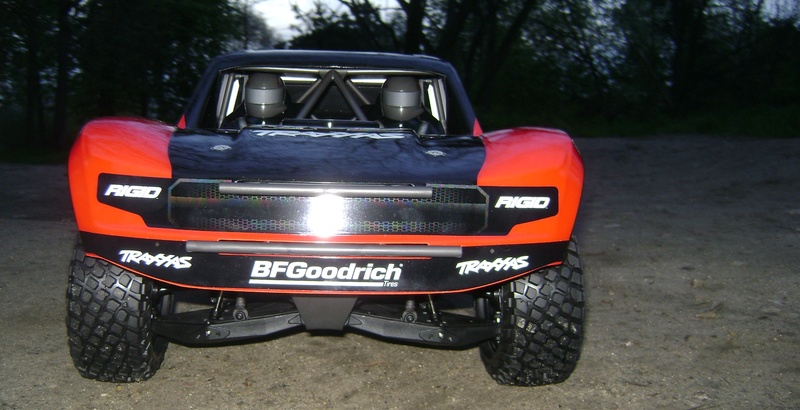TRAXXAS UNLIMITED DESERT RACER - Tests & Améliorations de Trankilou Dsc07637