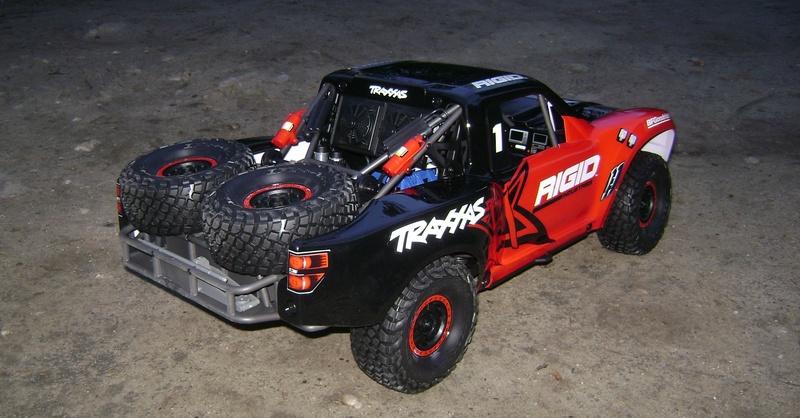 TRAXXAS UNLIMITED DESERT RACER - Tests & Améliorations de Trankilou Dsc07639