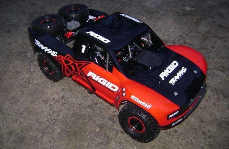 TRAXXAS UNLIMITED DESERT RACER - Tests & Améliorations de Trankilou Dsc07641