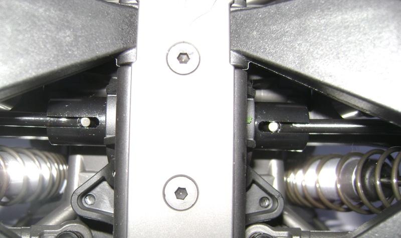 TRAXXAS UNLIMITED DESERT RACER - Tests & Améliorations de Trankilou Dsc07648