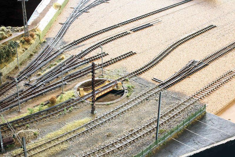 Tren groc à VVB - Page 5 Raccor11