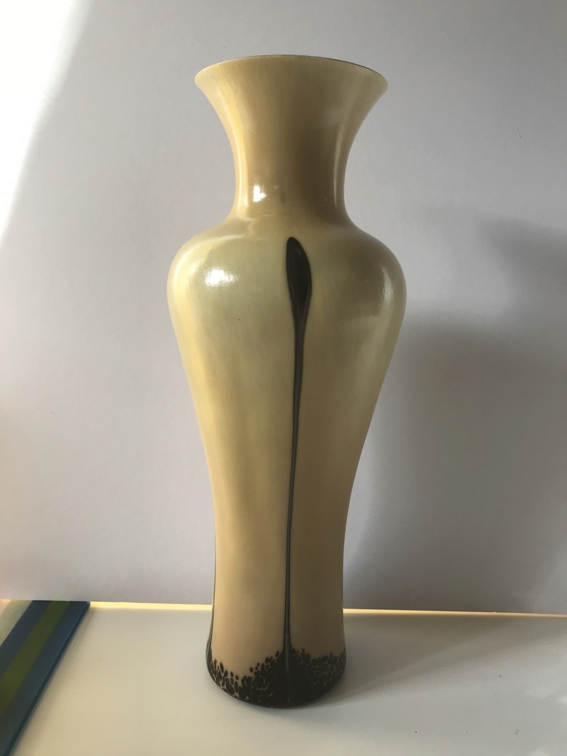 Tall elegant taupe cased vase - Any ideas to maker? Img_8116