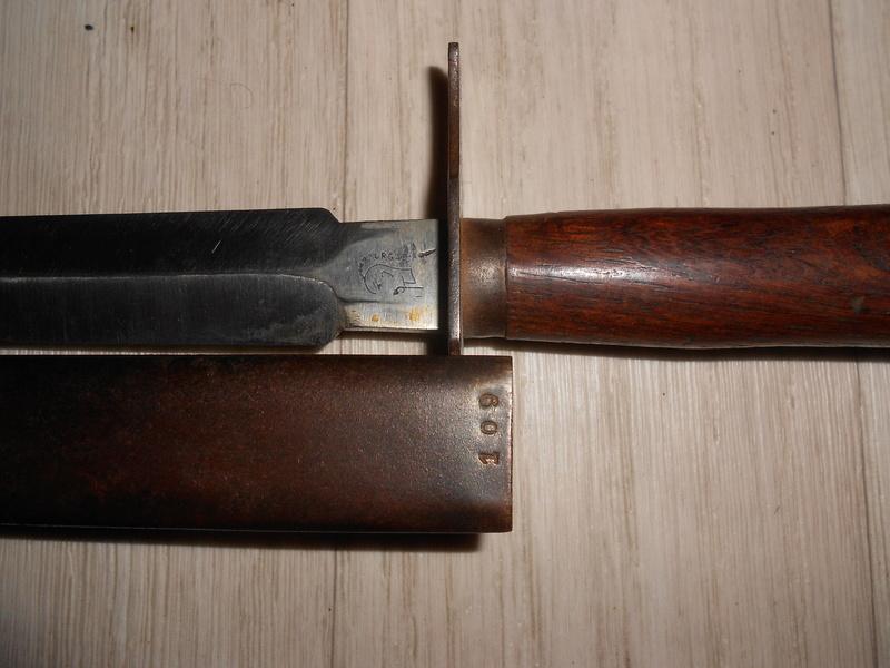 Le Couteau poignard Mle 1916 - Page 2 00311