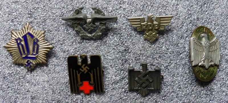Petits insignes et épingles de cravates P1160160