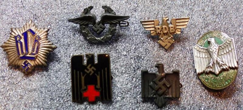 Petits insignes et épingles de cravates P1160163
