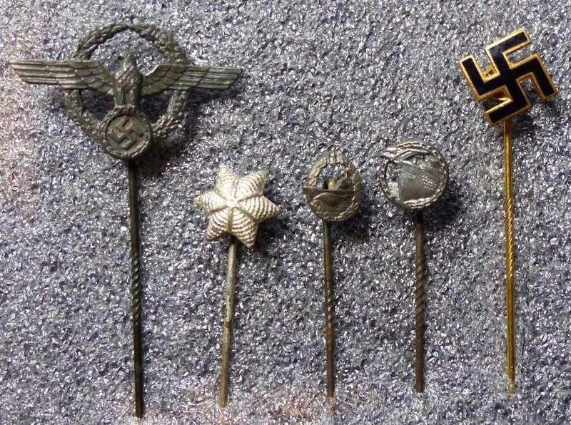 Petits insignes et épingles de cravates P1160167